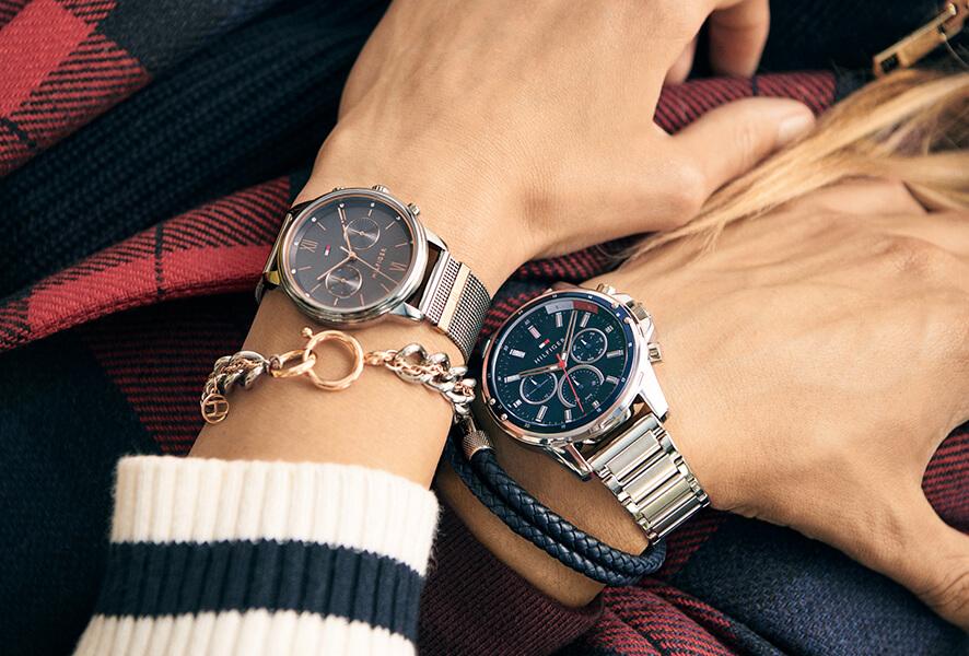 A marca Tommy Hilfiger reflete o estilo americano numa mistura única de conforto casual e elegância. Os relógios desta marca seguem uma linha clássica, onde se acrescentam detalhes exclusivos.