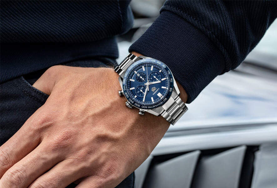 In 1860, at the age of 20, Edouard Heuer founded his watchmaking workshop in the Jura Mountains, Switzerland. The creation of the Mikrograph in 1916, the sponsorship of Formula 1 teams in the 1970s or the launch of the first connected luxury watch in 2015 are just a few examples of the main technical innovations, precision and passion for revolutionary design that characterize our unique spirit.