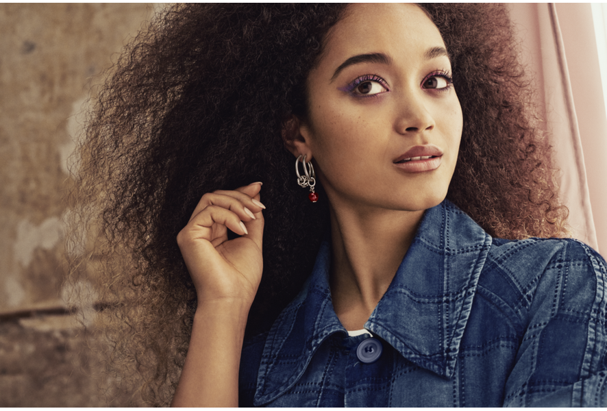Worldwide recognized for high quality jewelery with manual finishing. Discover the different Pandora jewelry and collections and let yourself be inspired.