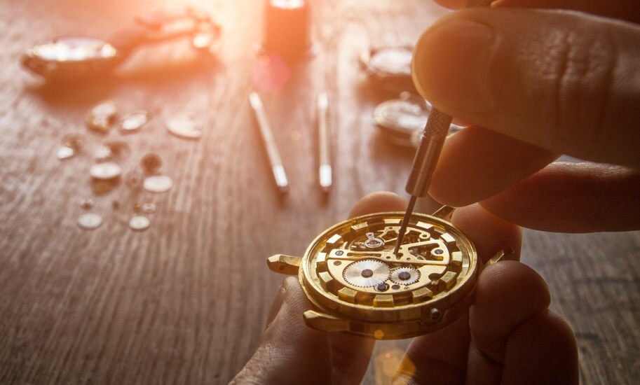 Assistência e Manutenção de Relógios